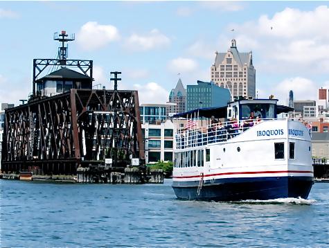 MilwaukeeTourBoat
